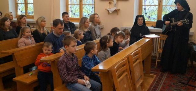 Msza święta dla przedszkolaków i absolwentów.