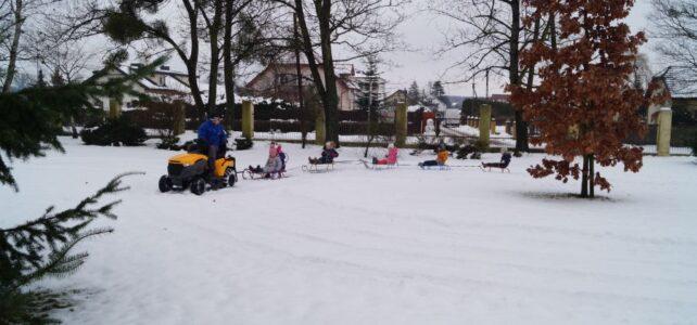 Kulig i zabawy na śniegu.